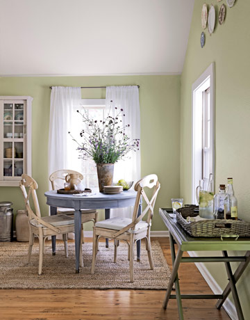 Small dining room ideas make it look bigger kris allen - How to decorate room ...