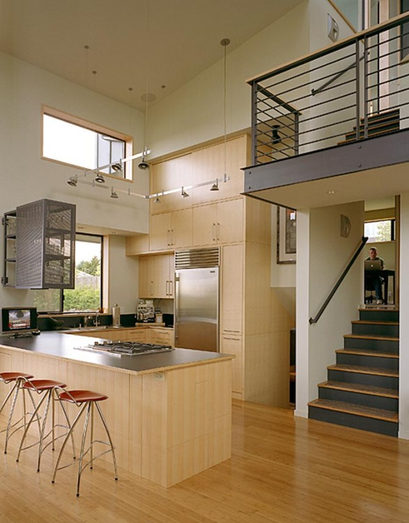 Split Level House Foyer Can Be Made To Be Beautiful: Split Level House Plans Is Beautiful